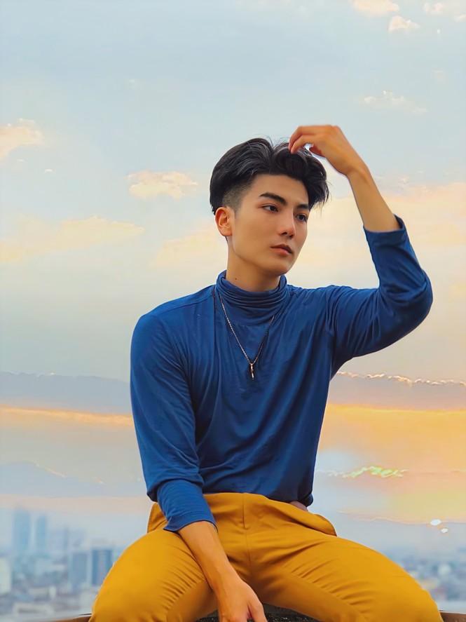 """Nguyễn Việt Hùng: """"Chiều cao không phải trở ngại đến với con đường người mẫu của tôi"""" - ảnh 9"""