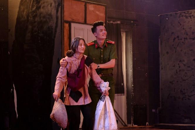 Xin ra quân để lên Hà Nội học diễn viên - ảnh 10