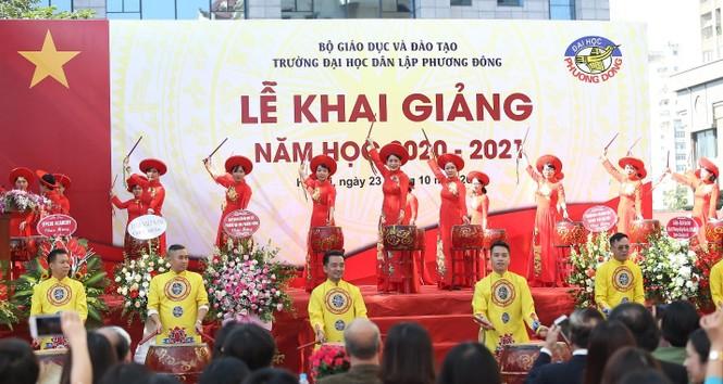 Trường Đại học Phương Đông đón gần 2000 tân sinh viên trong lễ Khai giảng năm học mới - ảnh 3