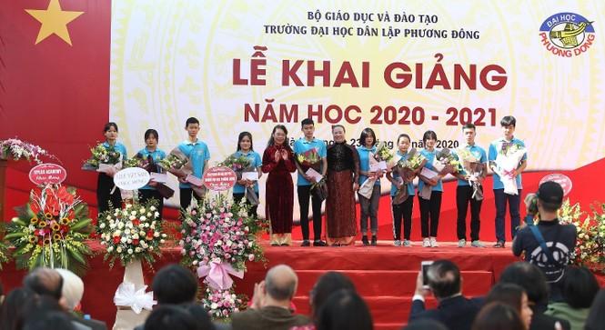 Trường Đại học Phương Đông đón gần 2000 tân sinh viên trong lễ Khai giảng năm học mới - ảnh 4