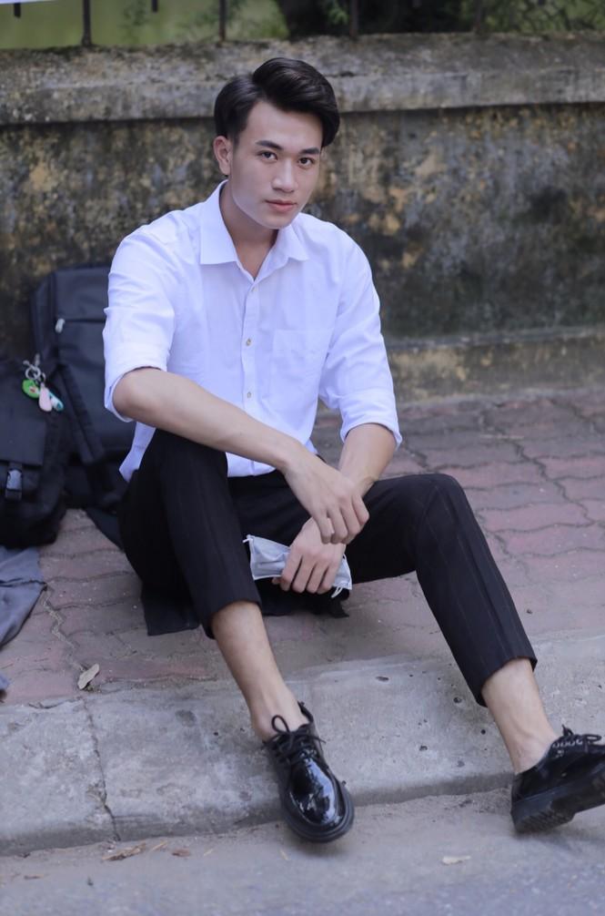 Chàng trai cao 1m90 từ Lào Cai xuống Hà Nội học diễn viên - ảnh 9