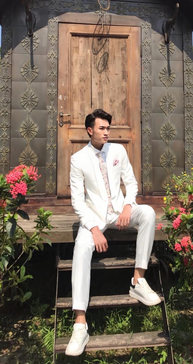 Chàng trai cao 1m90 từ Lào Cai xuống Hà Nội học diễn viên - ảnh 11