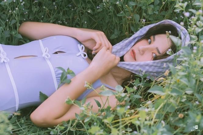 Nữ sinh trường Đại học Thương mại gây sốt bởi nét đẹp cá tính - ảnh 11