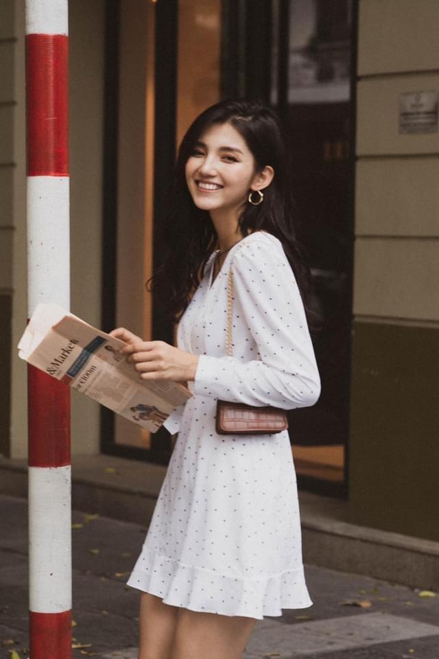 Nữ sinh trường Đại học Thương mại gây sốt bởi nét đẹp cá tính - ảnh 1