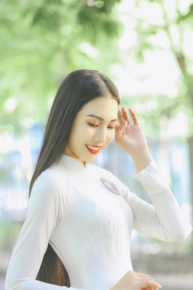 Hoa khôi Học viện Phụ nữ Việt Nam tinh khôi trong bộ ảnh áo dài - ảnh 4