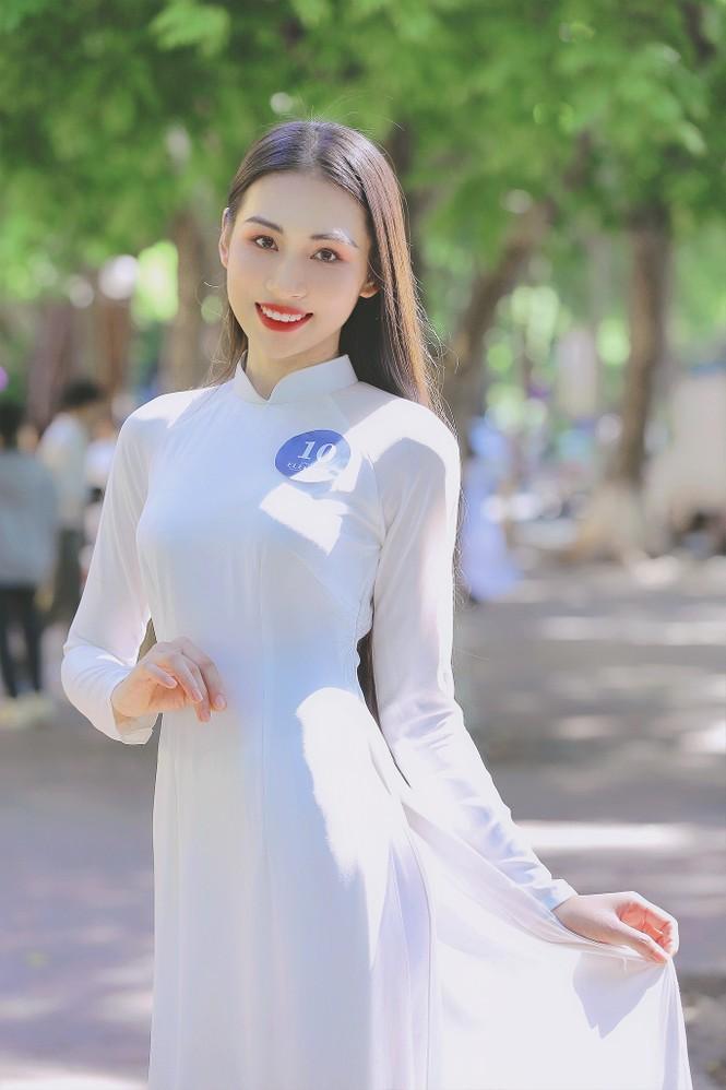 Hoa khôi Học viện Phụ nữ Việt Nam tinh khôi trong bộ ảnh áo dài - ảnh 1