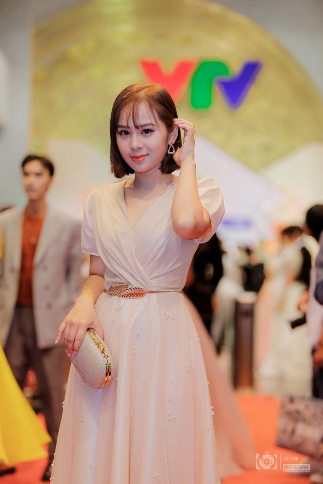 Nữ Á quân Cầu vồng 2020 – Hành trình chạm tay ước mơ truyền hình - ảnh 1