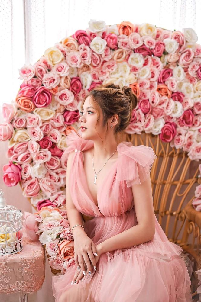 Ngắm nhìn bộ ảnh đẹp như công chúa của nữ sinh Đại học Công nghiệp TP.HCM - ảnh 2