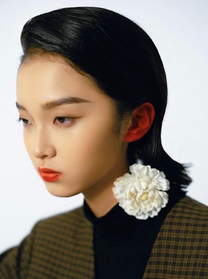 Khánh Linh – Vẻ đẹp độc lạ trong thế giới thời trang - ảnh 2