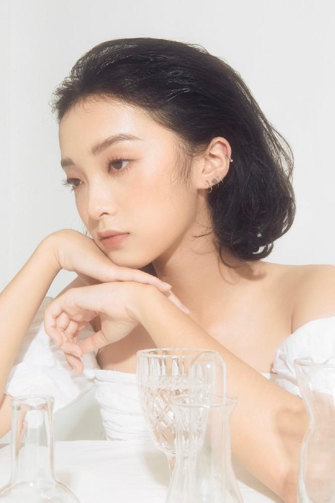 Khánh Linh – Vẻ đẹp độc lạ trong thế giới thời trang - ảnh 11