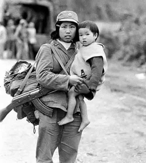 """Tác giả Trần Mạnh Thường ra mắt cuốn sách """"Nhìn lại cuộc chiến biên giới phía Bắc 1979"""" - ảnh 4"""