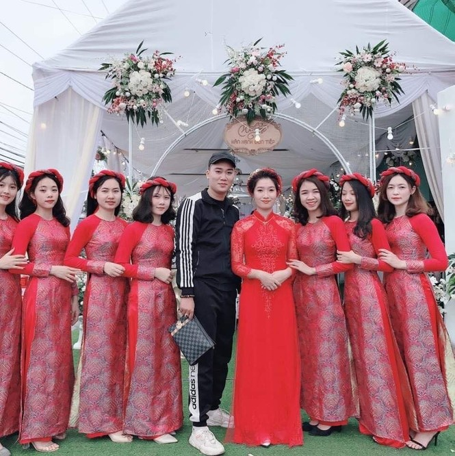 Chàng trai Nam Định cung cấp dịch vụ bê tráp cho ngót nghét nghìn cặp đôi - ảnh 7