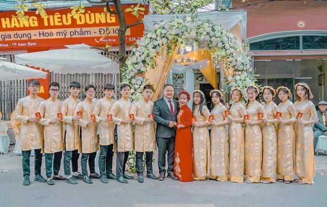 Chàng trai Nam Định cung cấp dịch vụ bê tráp cho ngót nghét nghìn cặp đôi - ảnh 11