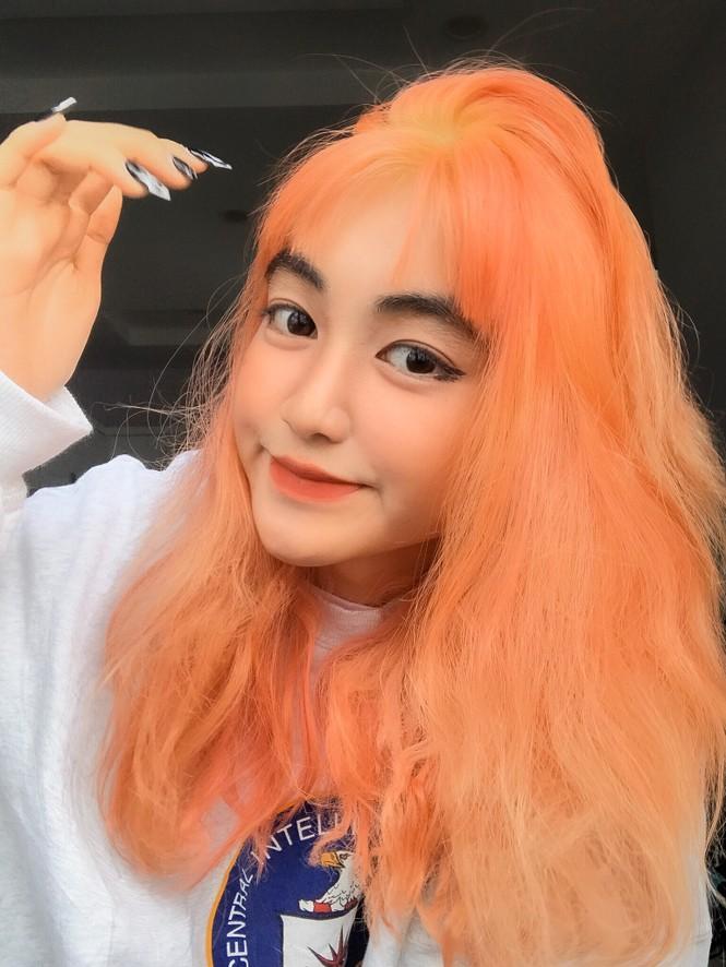 Nữ sinh thay đổi màu tóc mỗi tuần - ảnh 9