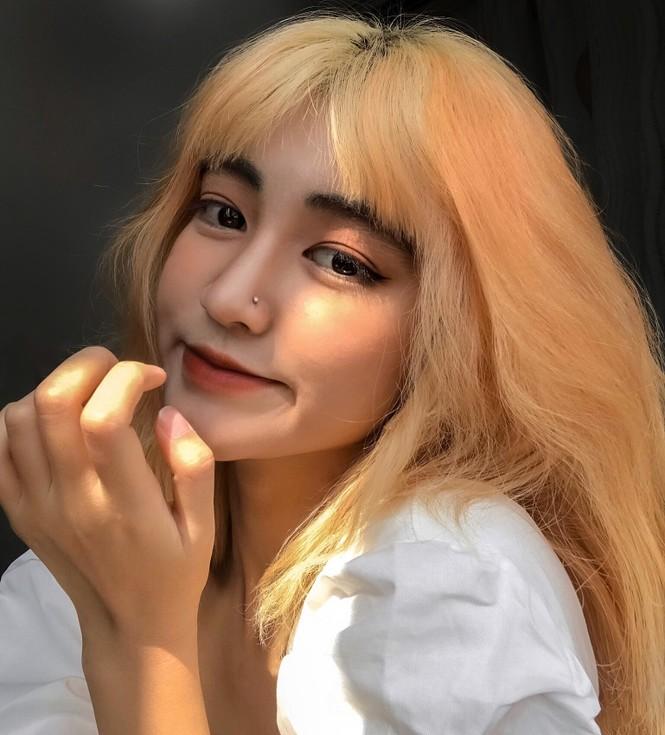 Nữ sinh thay đổi màu tóc mỗi tuần - ảnh 6
