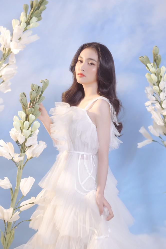 Người đẹp Hồng Nhung khoe vẻ đẹp hút hồn trong bộ ảnh đón năm mới - ảnh 5
