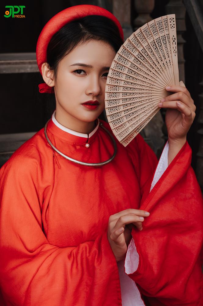 Ngất ngây trước vẻ đẹp đậm chất cổ xưa của Mai Yến trong bộ Cổ phục Việt Nam - ảnh 1
