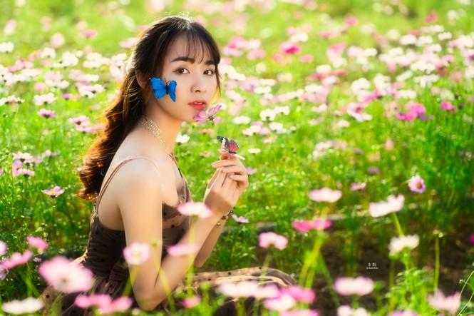 Nữ sinh Bách khoa hóa công chúa mơ màng giữa rừng hoa - ảnh 12