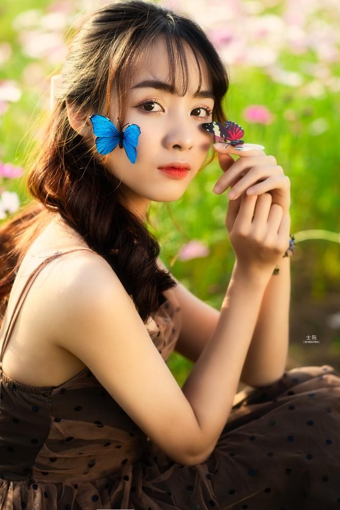 Nữ sinh Bách khoa hóa công chúa mơ màng giữa rừng hoa - ảnh 7