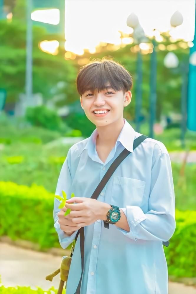 Hot Tiktok Tân Hạc: Nam sinh tài năng với nụ cười tỏa nắng và động lực sống tích cực - ảnh 2