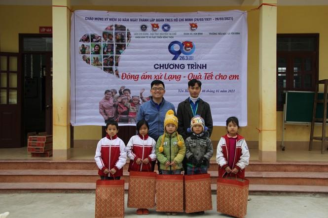 """Ấm áp chương trình """"Đông ấm xứ Lạng, quà Tết cho em"""" - ảnh 4"""