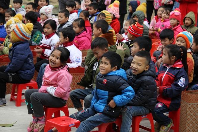 """Ấm áp chương trình """"Đông ấm xứ Lạng, quà Tết cho em"""" - ảnh 8"""