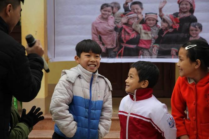 """Ấm áp chương trình """"Đông ấm xứ Lạng, quà Tết cho em"""" - ảnh 11"""