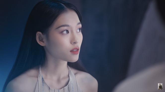 Nữ chính trong MV mới của Erik được netizen săn lùng bởi gương mặt đẹp tựa hoa đán - ảnh 5