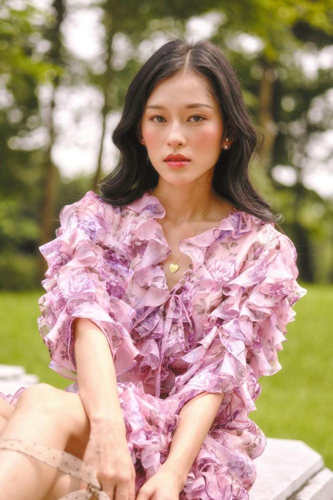 Nữ chính trong MV mới của Erik được netizen săn lùng bởi gương mặt đẹp tựa hoa đán - ảnh 13