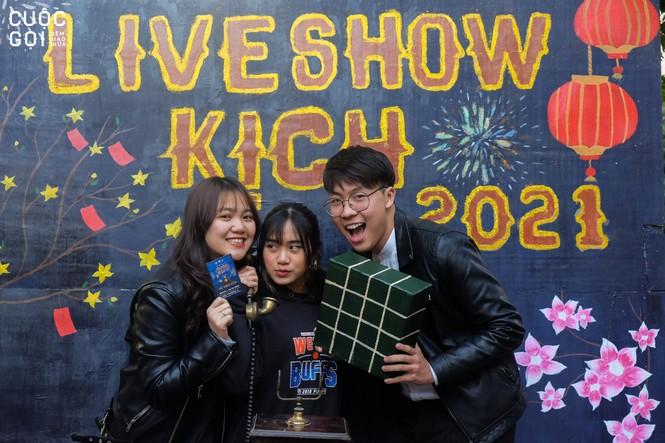 """Sinh viên trường Báo háo hức chào Xuân cùng photobooth """"Lời chưa nói"""" - ảnh 1"""