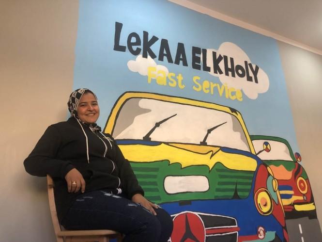 Cô gái 24 tuổi trở thành thợ máy sửa chữa ô tô đầu tiên ở Ai Cập - ảnh 2