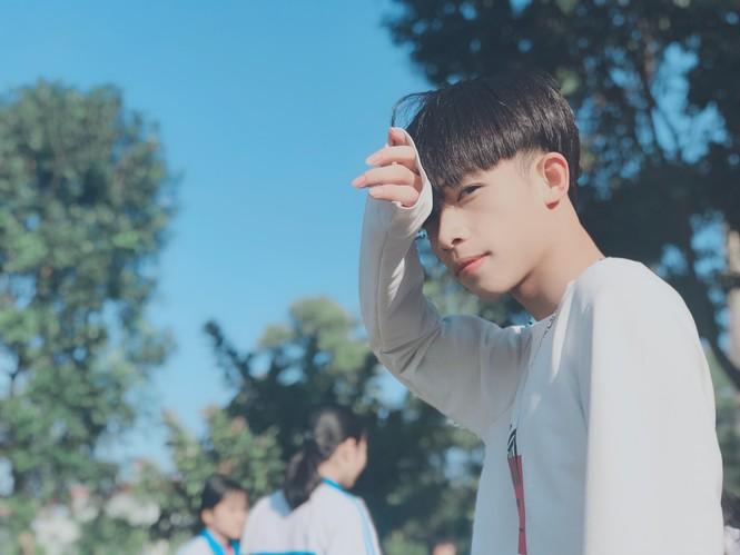 """Nam sinh trường ĐH Thăng Long có lượng người theo dõi """"khủng"""" - ảnh 11"""