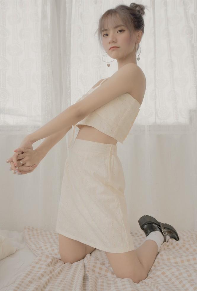 Ngắm nhìn vẻ đẹp ngọt ngào tựa kẹo bông của cô nàng An Giang Huỳnh Nhy - ảnh 9