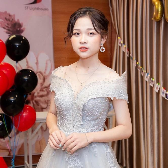 Nữ sinh Ngoại giao khát khao trở thành MC/BTV muốn sở hữu dự án kinh doanh riêng và hoàn thành ước mơ du học - ảnh 15