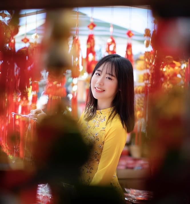 Rực rỡ sắc vàng với bộ ảnh áo dài Việt Nam đón Tết của du học sinh tại Mỹ - ảnh 6