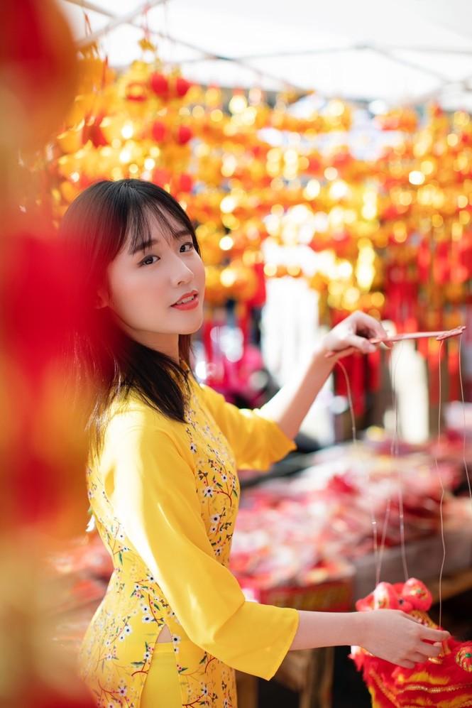 Rực rỡ sắc vàng với bộ ảnh áo dài Việt Nam đón Tết của du học sinh tại Mỹ - ảnh 8