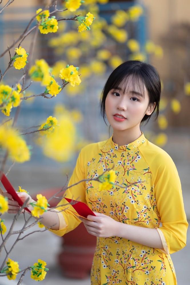 Rực rỡ sắc vàng với bộ ảnh áo dài Việt Nam đón Tết của du học sinh tại Mỹ - ảnh 9
