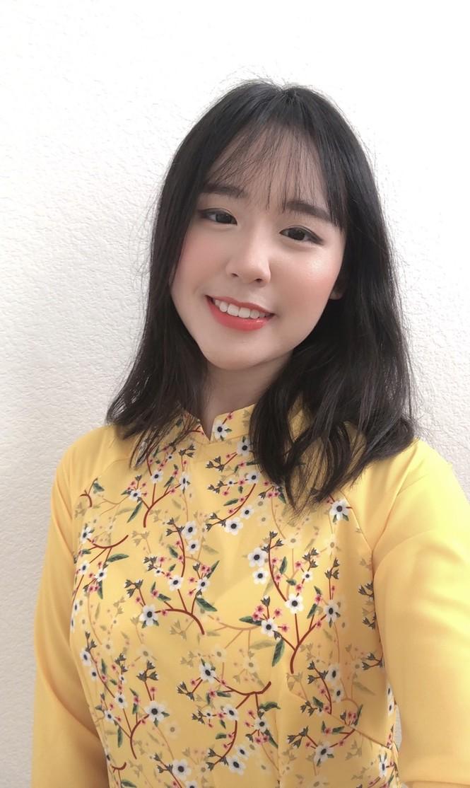 Rực rỡ sắc vàng với bộ ảnh áo dài Việt Nam đón Tết của du học sinh tại Mỹ - ảnh 2