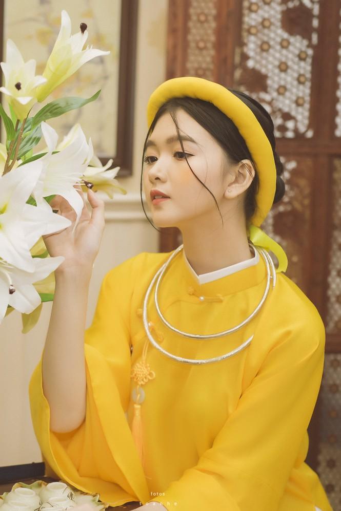 Nữ sinh thanh tao trong cổ phục Việt đón xuân - ảnh 2
