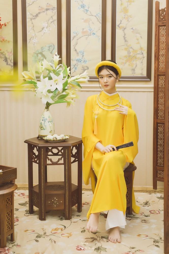Nữ sinh thanh tao trong cổ phục Việt đón xuân - ảnh 6