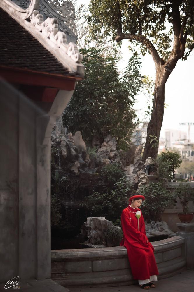 Nữ sinh điện ảnh gây ấn tượng bởi bộ ảnh Tết bên áo Tấc Việt phục - ảnh 8