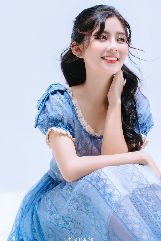 Nữ sinh điện ảnh gây ấn tượng bởi bộ ảnh Tết bên áo Tấc Việt phục - ảnh 9