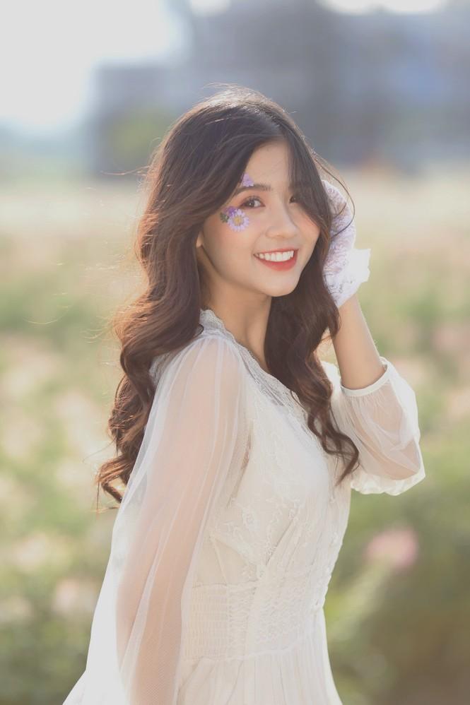 Nữ sinh điện ảnh gây ấn tượng bởi bộ ảnh Tết bên áo Tấc Việt phục - ảnh 15