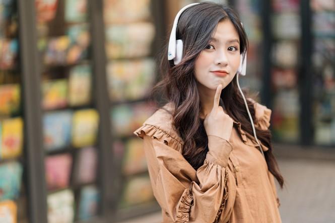 Nữ sinh điện ảnh gây ấn tượng bởi bộ ảnh Tết bên áo Tấc Việt phục - ảnh 17