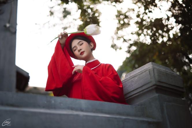 Nữ sinh điện ảnh gây ấn tượng bởi bộ ảnh Tết bên áo Tấc Việt phục - ảnh 1
