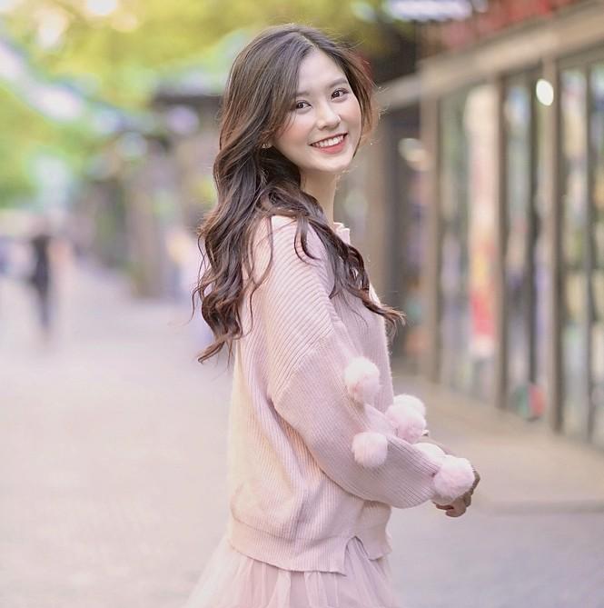 Nữ sinh điện ảnh gây ấn tượng bởi bộ ảnh Tết bên áo Tấc Việt phục - ảnh 20
