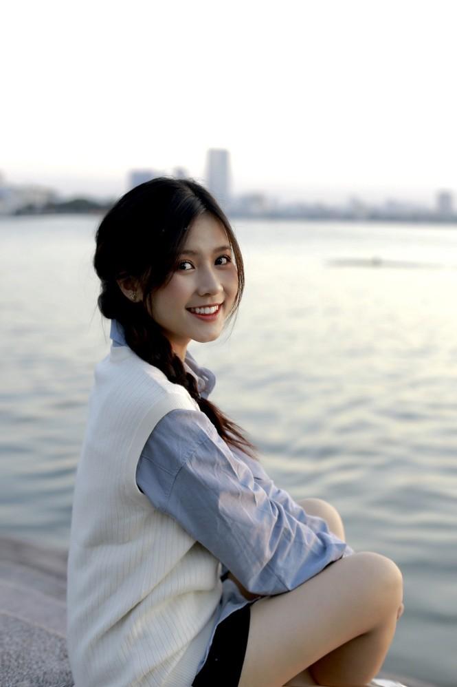 Nữ sinh điện ảnh gây ấn tượng bởi bộ ảnh Tết bên áo Tấc Việt phục - ảnh 21