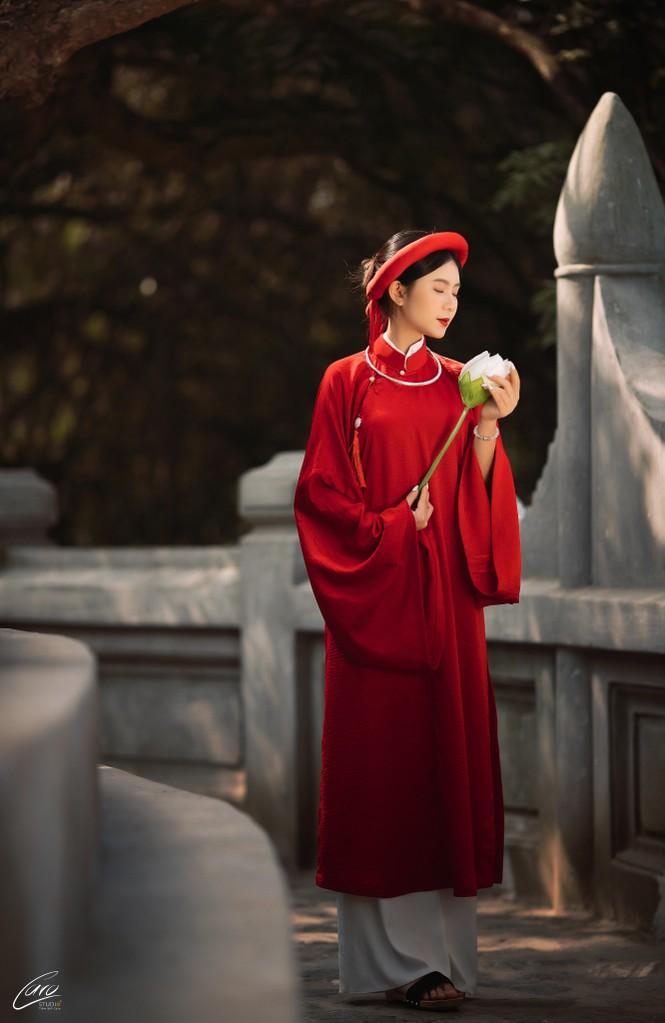 Nữ sinh điện ảnh gây ấn tượng bởi bộ ảnh Tết bên áo Tấc Việt phục - ảnh 3