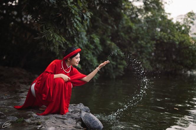 Nữ sinh điện ảnh gây ấn tượng bởi bộ ảnh Tết bên áo Tấc Việt phục - ảnh 6