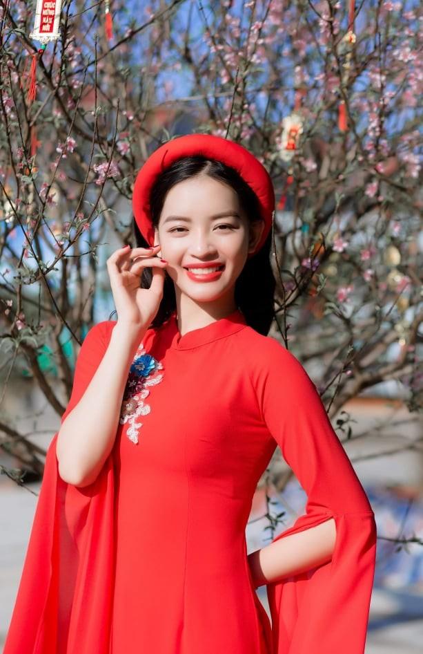 Nữ sinh điện ảnh xinh đẹp bên tà áo dài cách tân ngày Tết - ảnh 8